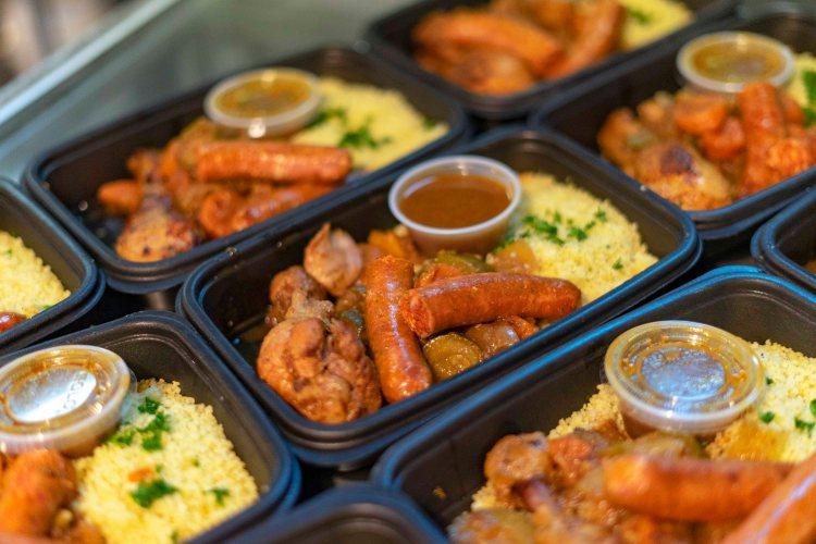 Couscous légumes, poulet et saucisse à l'agneau
